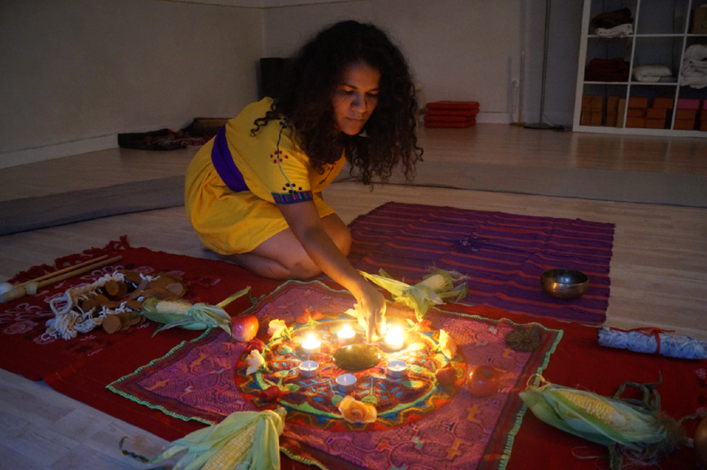 Testimonial Women building a shamanic altar with Cacao & natural elements